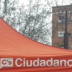 Carpa informativa en Ciudad Lineal el 19 de marzo