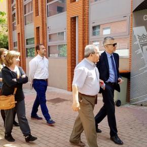 Juan Rubio, diputado de Ciudadanos (C's) en la Asamblea de Madrid, se interesa por la situación de los Poblados A y B.
