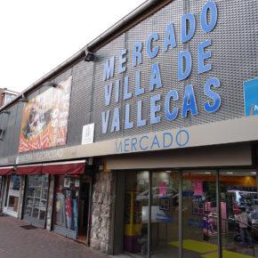 Cs Villa de Vallecas alerta del peligro que sufren los viandantes frente al Mercado debido a la falta de delimitación peatonal