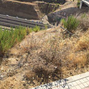 Ciudadanos Vicálvaro  alerta de las graves irregularidades y  del estado deplorable del vallado perimetral de las instalaciones de Adif